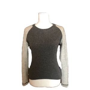 NEIMAN MARCUS 100% cashmere gray sweater small